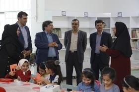 بازدید سید مجتبی حسینیپوررئیس سازمان مدیریت وبرنامهریزی از فعالیتهای تابستانهی مرکز شمارهی سه کانون پرورش فکری یزد- تیر98