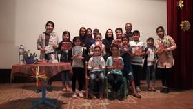 نویسندهی کودکان، با بچهها همبازی شد