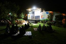 نمایش فیلمهای کانون در خیابانهای اصفهان
