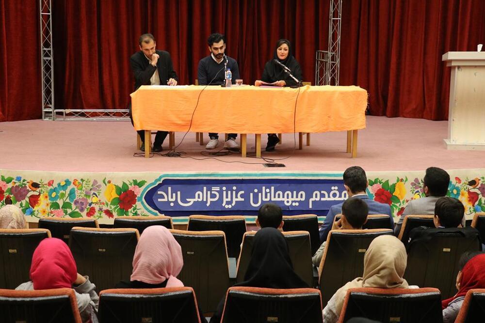 برگزاری نشست انجمن سرود کانون گلستان