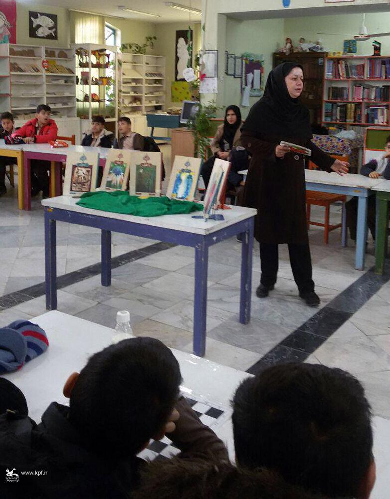 مربی کانون لرستان برگزیده مسابقه ی  طرح های خلاق کتابخوانی شد