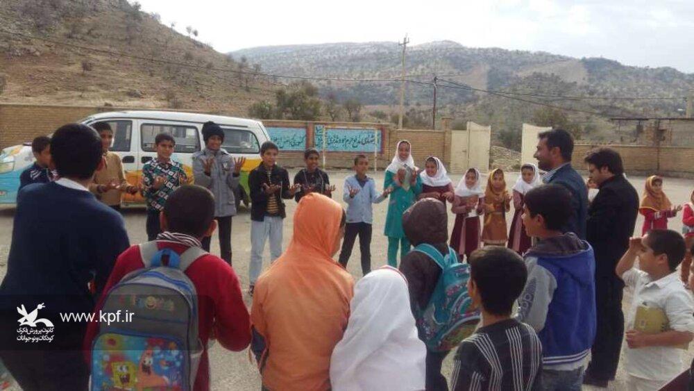 امداد فرهنگی پیک امید کانون فارس در روستاهای شهرستان رستم
