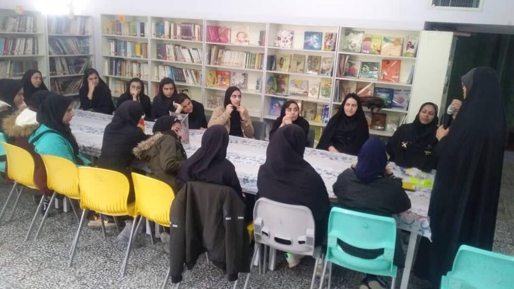 نشست های تخصصی حجاب و عفاف برای نوجوانان ایلامی برگزار شد
