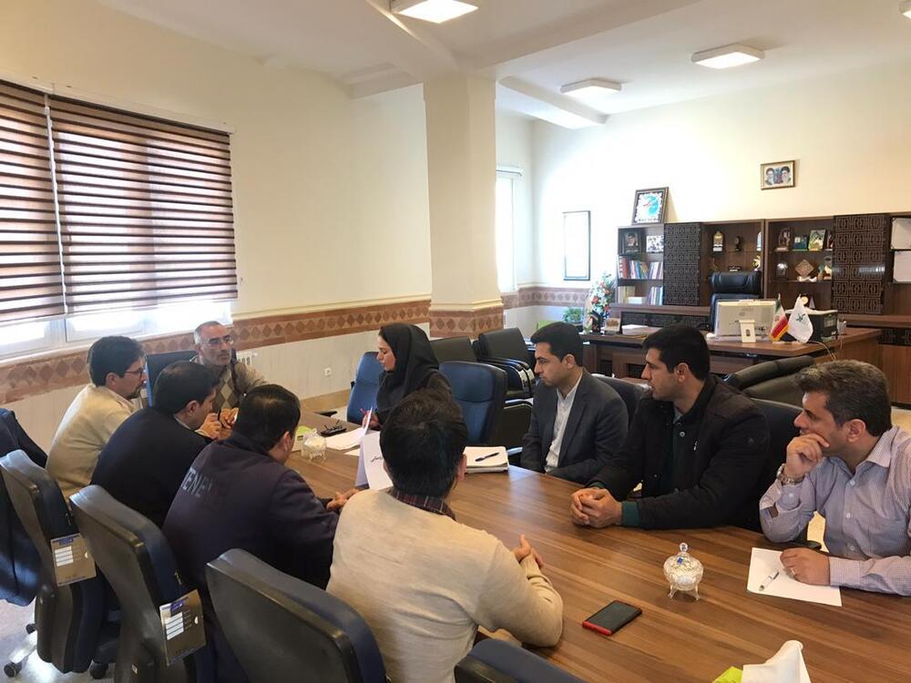 برگزاری نشست  مدیرکل با مربیان کتابخانه سیارروستایی و شهری