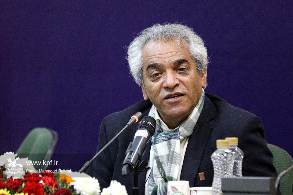 اصغر همت: قصهگو باید صدای رسا و عمیقی داشته باشد