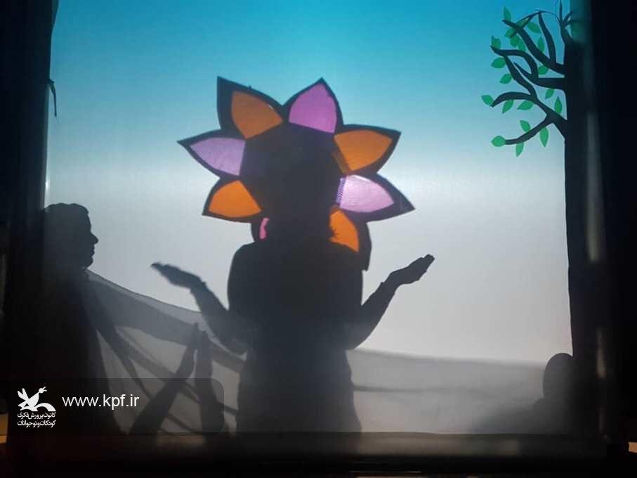اجرای دو نمایش «ماه از آن بالا » و «سرزمین نیلوفر» در کانون شماره یک و فراگیر بیرجند