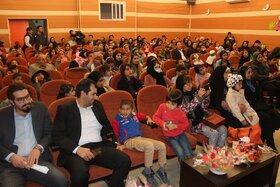 برگزاری جشن شب یلدا با حضور کودکان بی سرپرست بهزیستی در یاسوج
