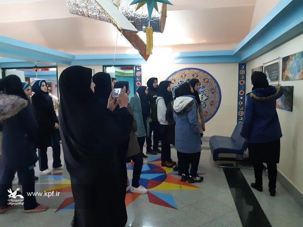 دانش آموزان شهرستان خرمدره از مرکز علوم و نجوم زنجان بازدید کردند