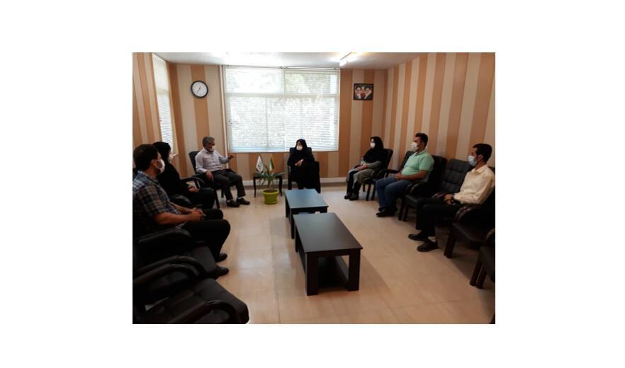 بازدید مدیرکل کانون پرورش فکری قزوین از کانون زبان استان