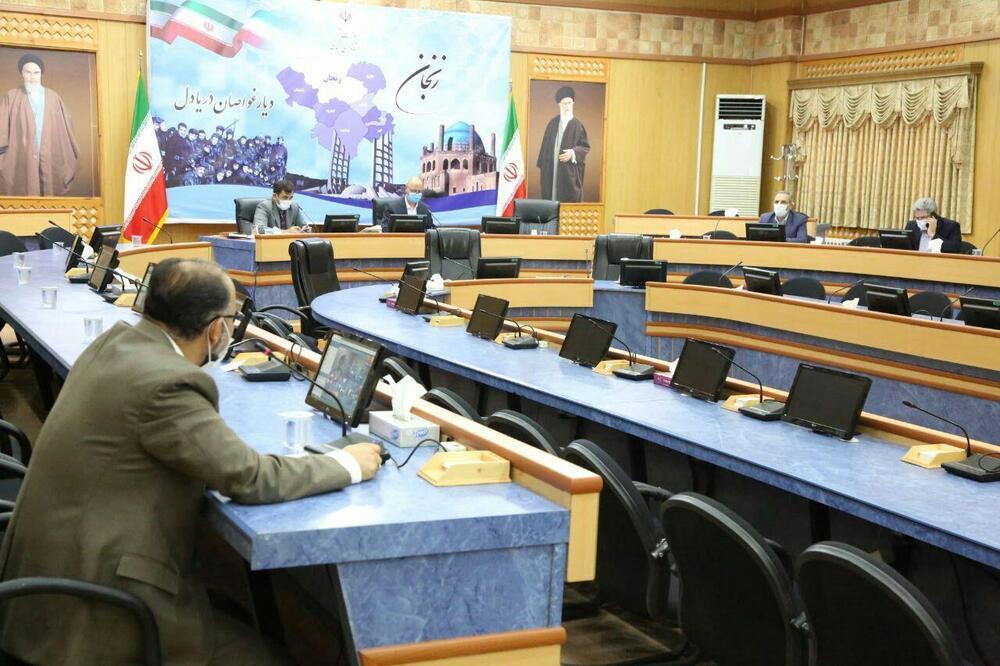 تشریح برنامه ها و فعالیت های پیک سفید سلامت توسط مدیر کل کانون استان در جلسه ستاد کرونا استانداری زنجان