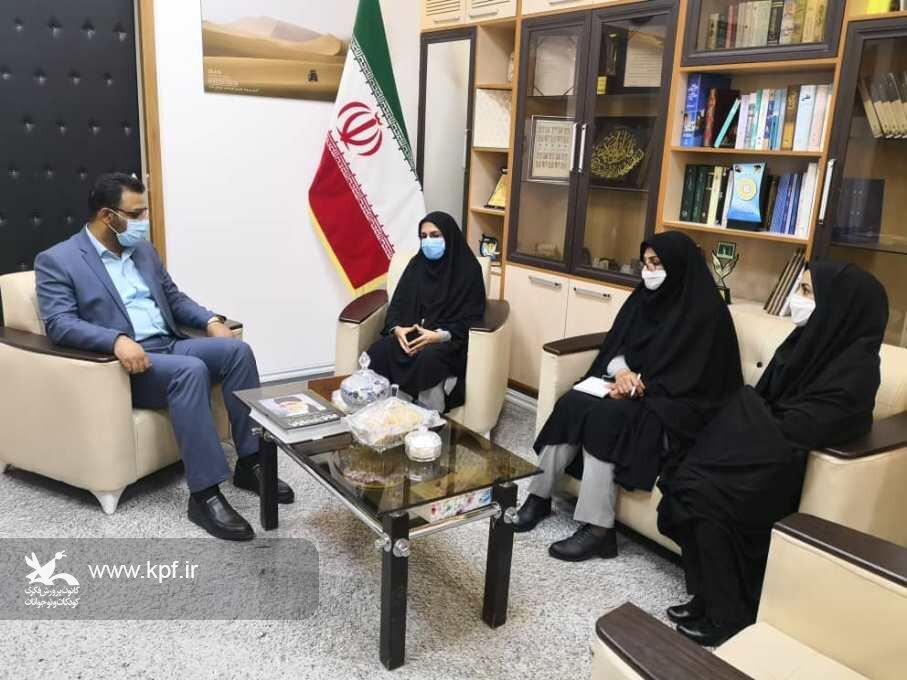 مدیر کل کانون خراسان جنوبی با فرماندار شهرستان نهبندان دیدار و گفتگو کرد