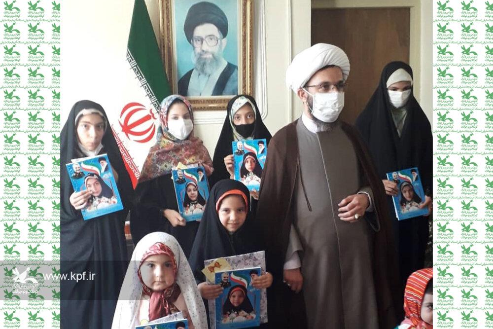 برگزیدگان مسابقه عکاسی «دختران حاج قاسم» در کانون شبستر معرفی شدند