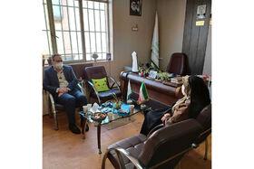 دیدار مشاور وزیر صنعت، معدن و تجارت با مدیرکل کانون استان همدان