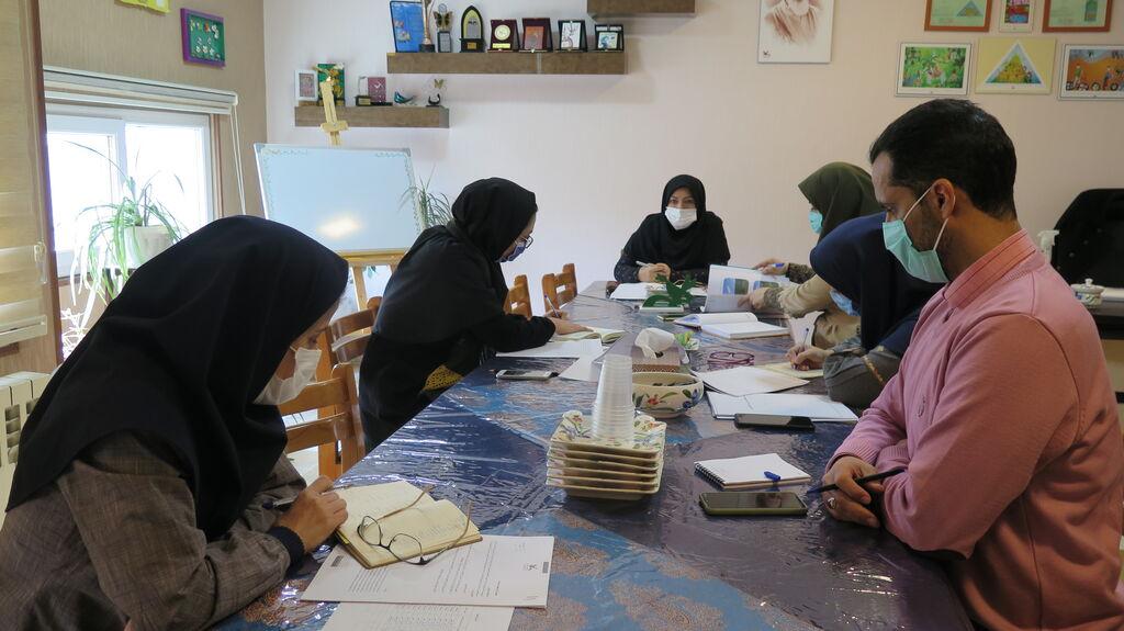 نشست راهبردی شورای مجازی کانون استان قزوین