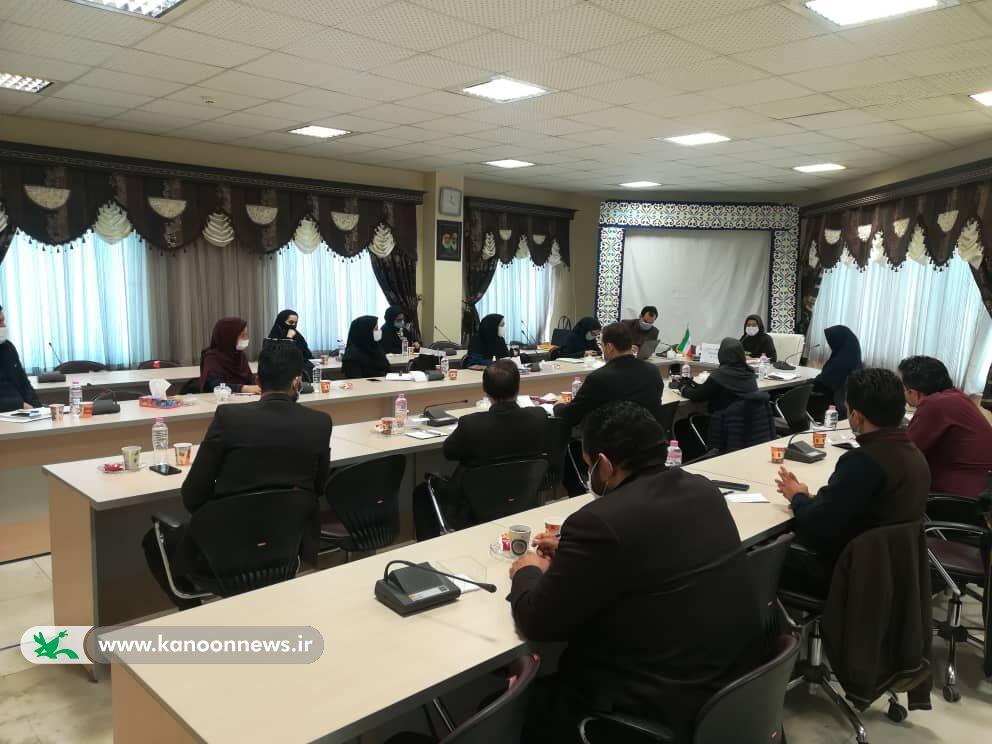نشست فصل زمستان مربی مسوولان کانون گلستان برگزار شد