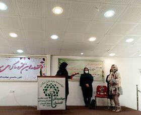تقدیر از عضو انجمن قصهگویی کانون گلستان در سرای سالمندان جهاندیدگان گرگان