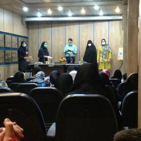 تقدیر از اعضای اهل قلم کانون در دیدار با رئیس حوزه هنری قزوین