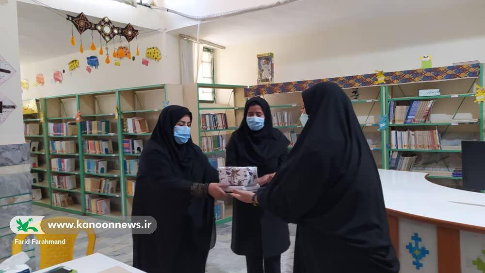 از اعضا و مربیان رتبهآور مرکز فرهنگیهنری بَزمان تقدیر شد