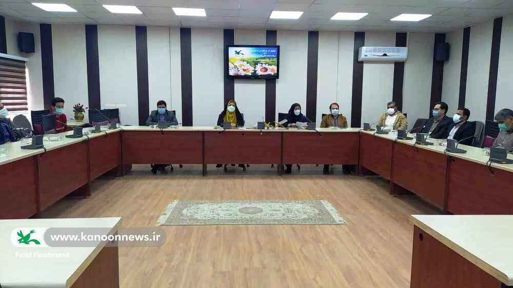 تجلیل از همکاران در کانون پرورش فکری کودکان و نوجوانان سیستان و بلوچستان به مناسبت روز پدر