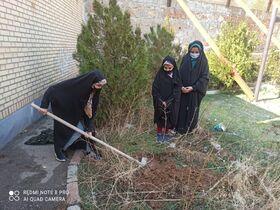 درختکاری اعضا و مربیان مراکز کانون پرورش فکری کودکان و نوجوانان استان آدربایجان شرقی