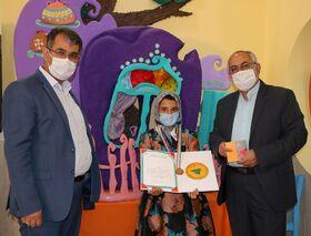 عضو کانون فارس، مدال برنز مسابقه نقاشی را به خود اختصاص داد