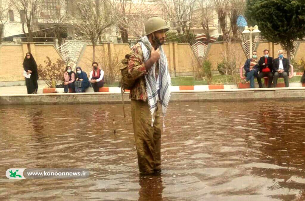 تندیس جشنواره استانی تئاترسپید بالان سلیمانی به مربی کانون لرستان رسید