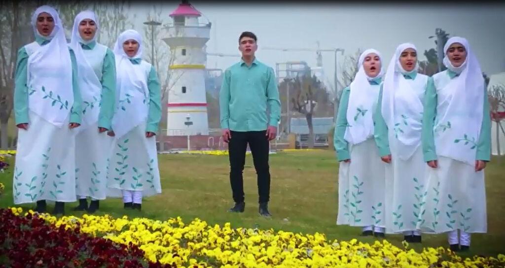 سرود «نشانه باران» با اجرای نوجوانان انجمن سرود کانون تهران