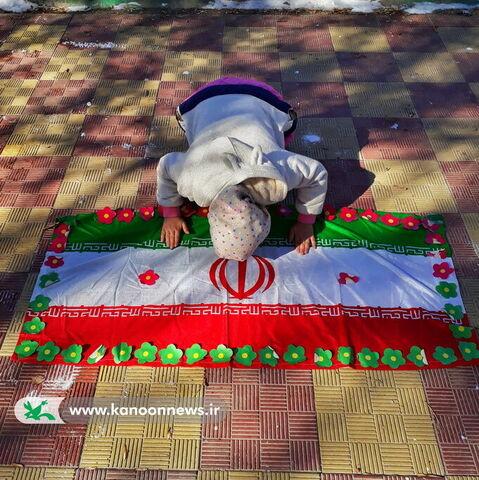 منتخبان  پویش عکاسی قاب انقلاب - آیدا خادمی کانون سنقر