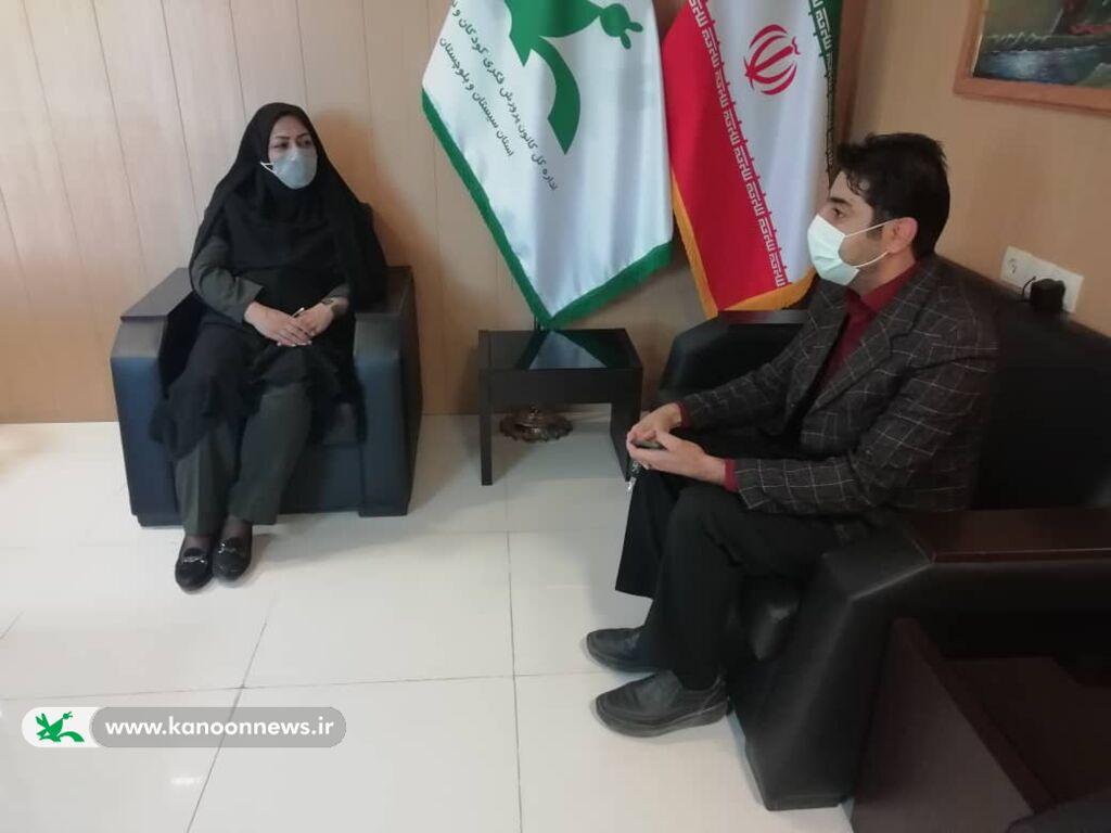 تقدیر از مدیران فعال مدارس در زمینه همکاری با کانون پرورش فکری و کانون زبان ایران در زاهدان
