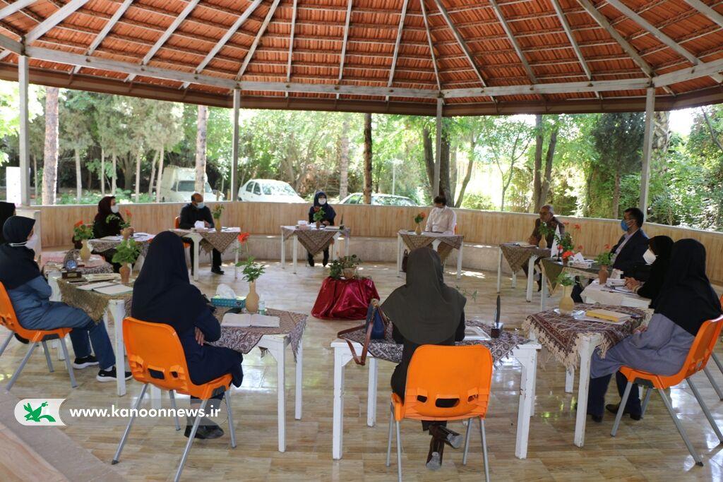 نشست حضوری مربیان مسوول مراکز شیراز و صدرا با مدیر کل