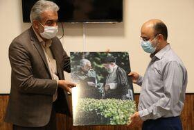 کارکنان حامی ایتام کانون کرمان تجلیل شدند