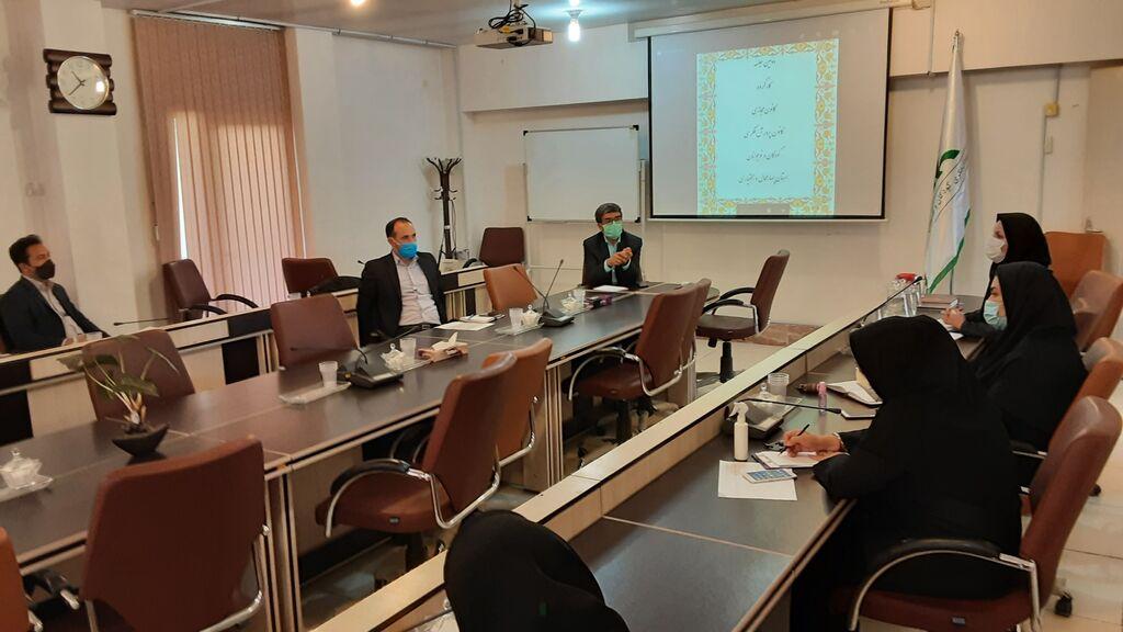 برگزاری سومین جلسه شورای فرهنگی  و کارگروه کانون مجازی در دفتر استان