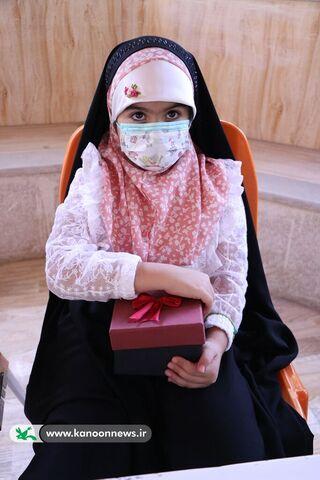 تجلیل از دختر شهید مدافع امنیت در کانون فارس