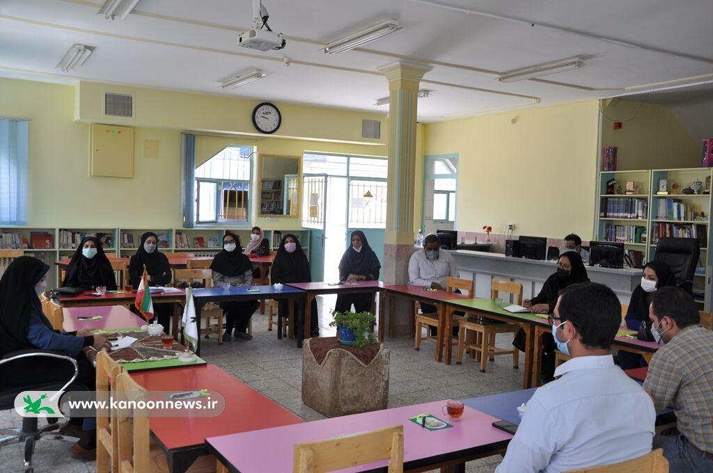 جلسه مشترک شورای فرهنگی مراکز کانون بیرجند برگزار شد