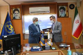 انعقاد تفاهمنامهی همکاری بین کانون و کمیته امداد استان سمنان