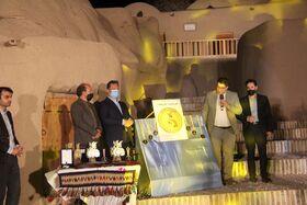 همراه با شادمانی برگزیدگان بیست و سومین جشنواره قصهگویی کانون خراسانرضوی در کنار آسبادها