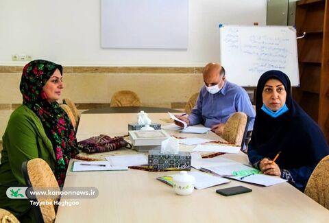داوران جشنواره قصه گویی استان قم در مرحله داوری آثار