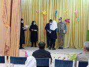 مسئولان شهرستان شبستر در جمع کودکان و نوجوانان حضور یافتند.