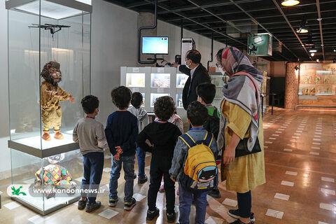 بازدید کودکان از موزههای تاریخ و هنر و ادبیات کانون در هفته ملی کودک