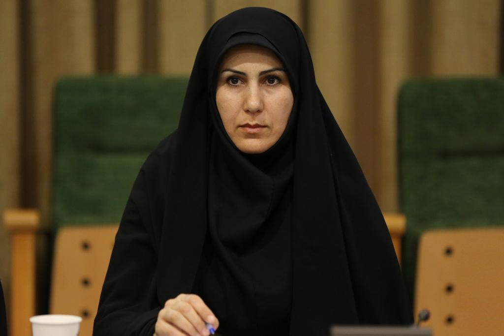 دریافت لوح تقدیر مدیر کل کانون استان کردستان از بسیج کارمندان استان